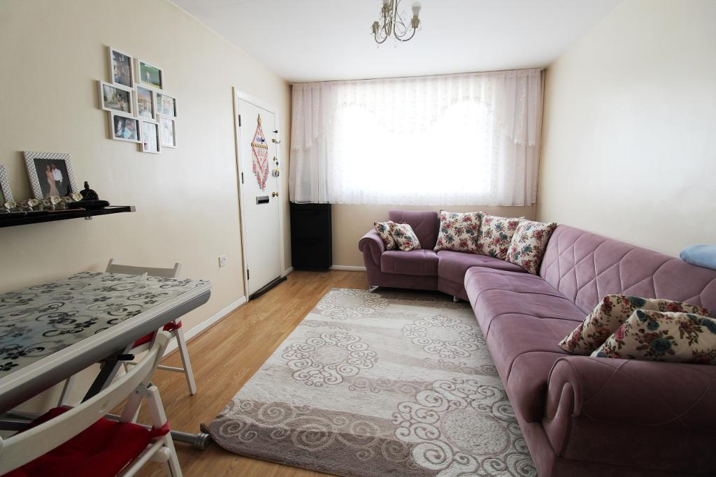 Bridle Close, Enfield, London, EN3 6EB
